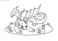 Дракончик играет с улиткой - скачать и распечатать раскраску. Раскраска дракон