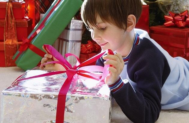 Подарок ребенку: ТОП лучших идей