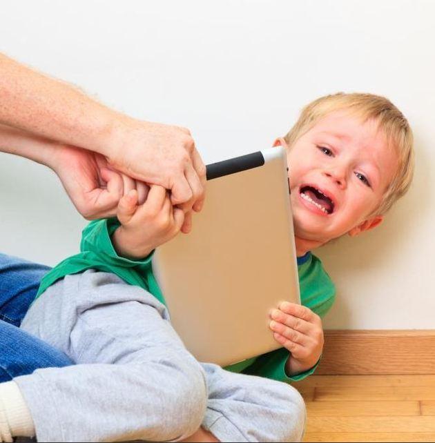 Гаджеты и ребенок: как выстроить правильные отношения