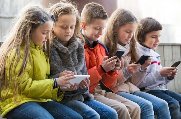 Какое влияние оказывают планшеты и мобильные телефоны на здоровье детей?