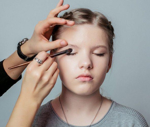 Подростковый макияж: что и когда использовать