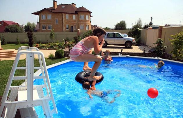 Собственный бассейн на даче? Дети будут в восторге!