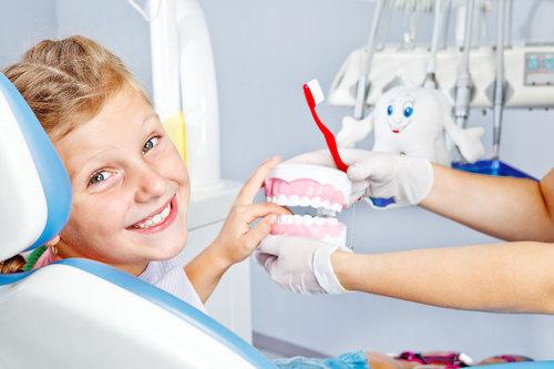 Как уговорить ребенка лечить зубы?