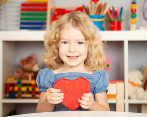 Какой подарок может сделать ребенок в свои четыре или пять лет самостоятельно?