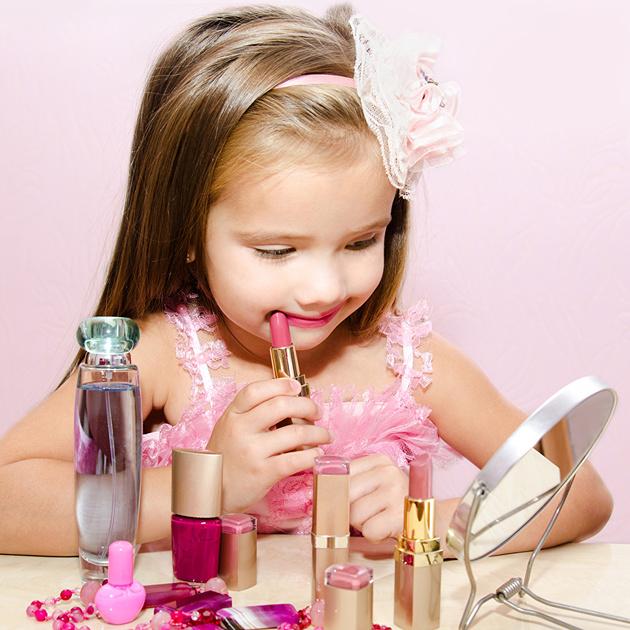 Косметичка для маленькой принцессы: советы и правила выбора детской косметики