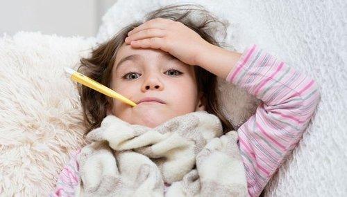 Жар у ребенка: основные признаки данного состояния и методы его устранения
